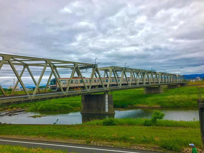 荒川〜入間川〜カフェキキまでの180kmロングライド!入間川CRに走っていた電車