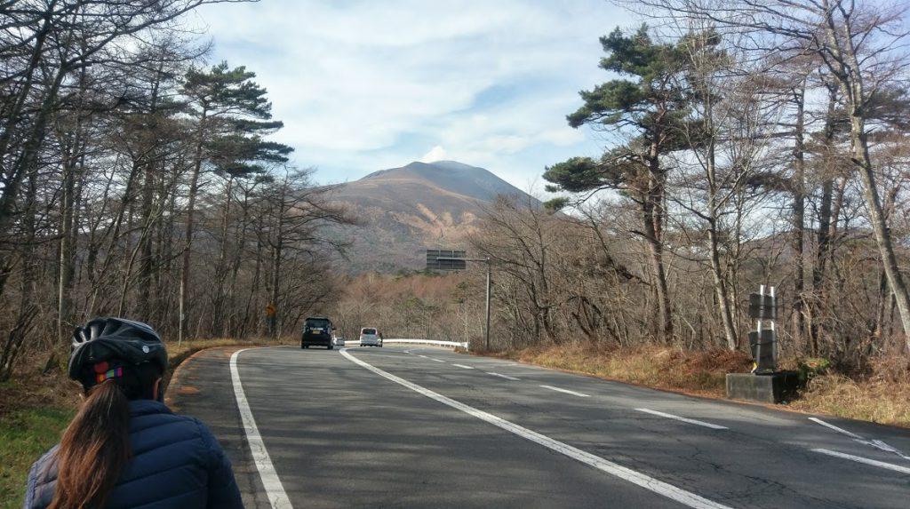 軽井沢でサイクリング!峰の茶屋から見える浅間山