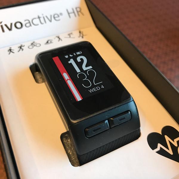 GARMIN vivoactive J HRを日常的につかってみた感想をブログにしました!開封の儀。