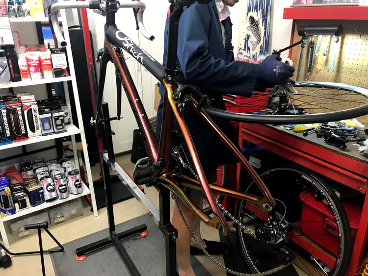 前澤理論で注文したカーボンのロードバイクが遂にやってきました!〜アンカーRL8W〜カラーオーダー(マジョーラトラペジウム)スピリートさんで注文!!