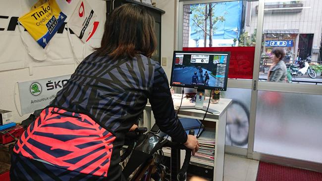 【四コマ漫画】自転車コーチング始めました〜バイクショップスピリートのコーチング体験〜zwiftを使ったコーチング